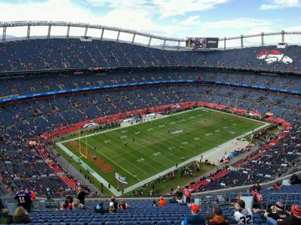 Empower Field at Mile High Stadium, section: 641, rangée: 22, siège: 15