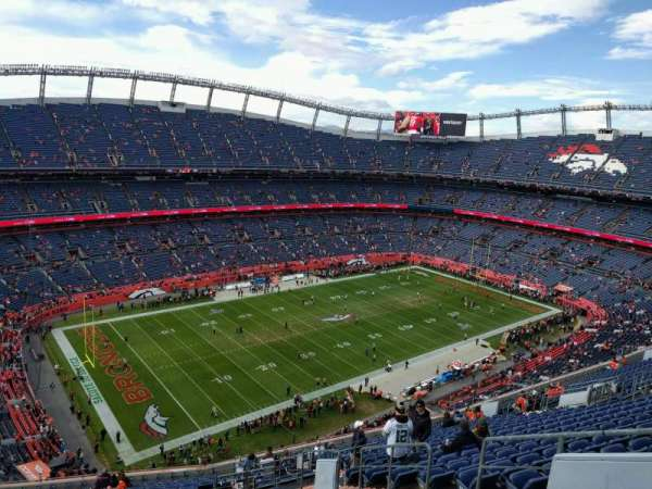 Empower Field at Mile High Stadium, section: 540, rangée: 20, siège: 6