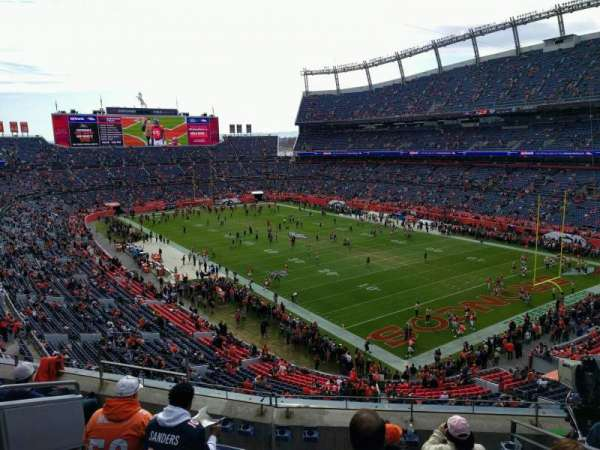 Empower Field at Mile High Stadium, section: 328, rangée: 6, siège: 9