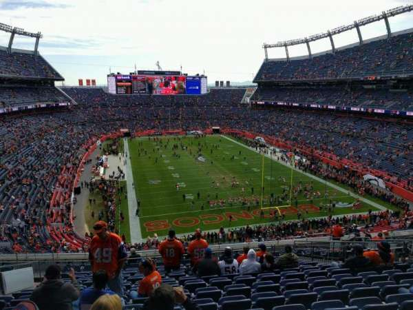 Empower Field at Mile High Stadium, section: 326, rangée: 16, siège: 15