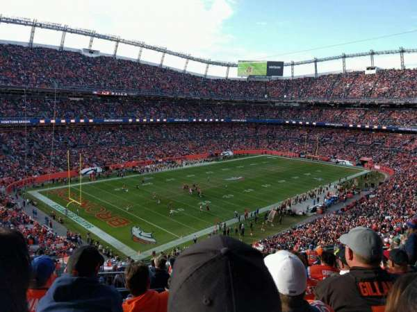 Empower Field at Mile High Stadium, section: 345, rangée: 16, siège: 15