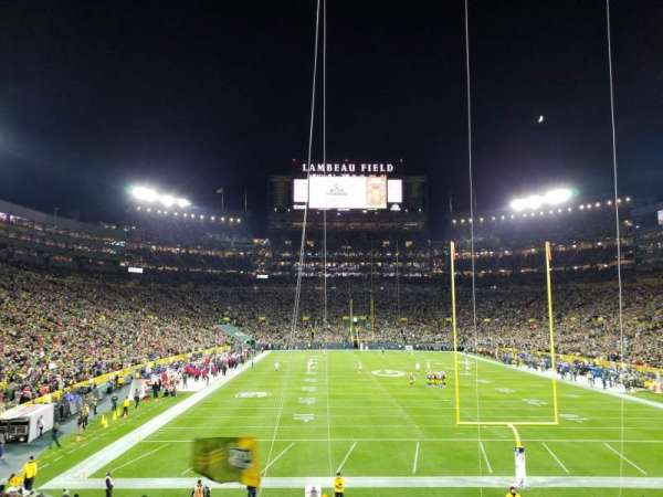 Lambeau Field, section: End Zone 101, rangée: 30, siège: 15