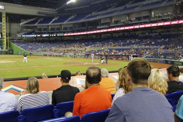 Marlins Park, section: 20, rangée: d, siège: 10