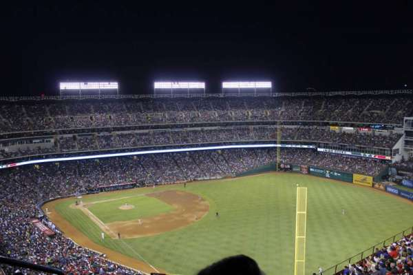 Globe Life Park in Arlington, section: 343, rangée: 21, siège: 2