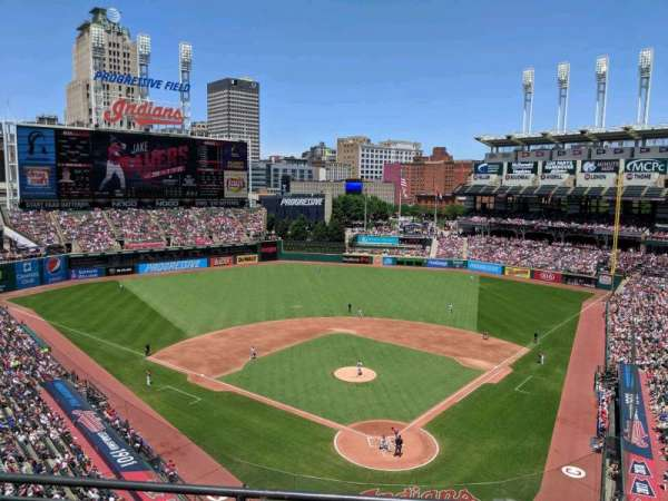 Progressive Field, section: 455, rangée: C, siège: 11