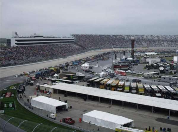Dover International Speedway, section: 215, rangée: 38