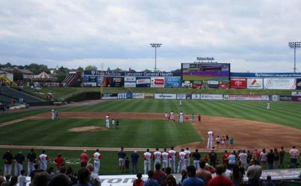 Clipper Magazine Stadium, section: 8, rangée: T, siège: 5