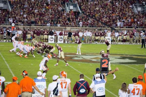 Bobby Bowden Field at Doak Campbell Stadium, section: 11, rangée: 10, siège: 9-10