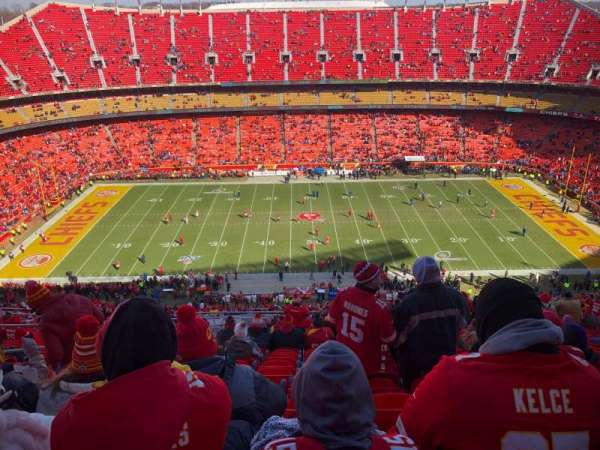 Arrowhead Stadium, section: 324, rangée: 19, siège: 10