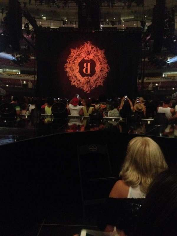 United Center, section: BeyStage, rangée: General Admission