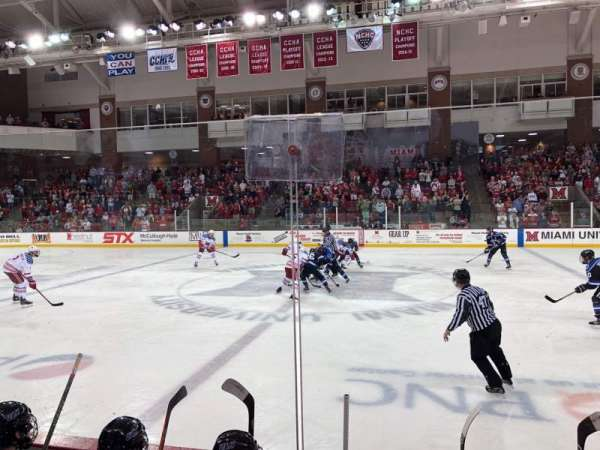 Goggin Ice Center, section: 14, rangée: D, siège: 6