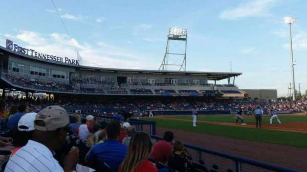 First Tennessee Park, section: 120, rangée: D, siège: 17