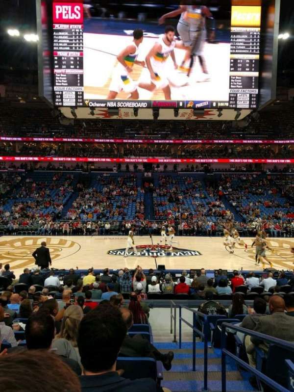 Smoothie King Center, section: 113, rangée: 14, siège: 1