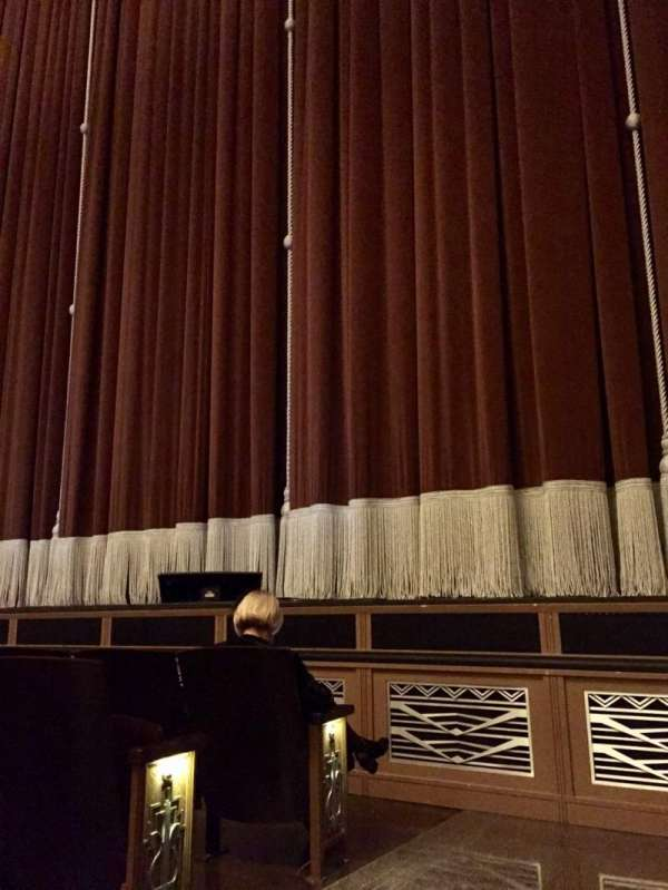Reynolds Hall at The Smith Center, section: Right Orchestra, rangée: B, siège: 301