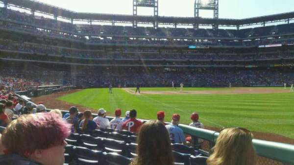 Citizens Bank Park, section: 109, rangée: 8, siège: 8
