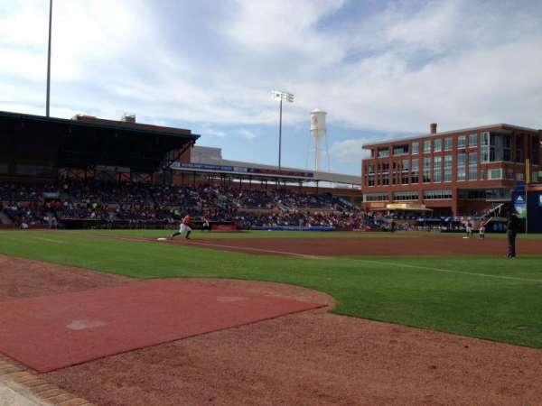 Durham Bulls Athletic Park, section: 116, rangée: A, siège: 24