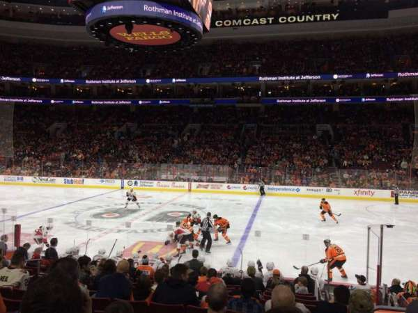 Wells Fargo Center, section: 102, rangée: 14, siège: 10