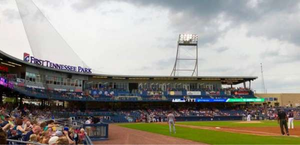 First Tennessee Park, section: 120, rangée: C, siège: 5