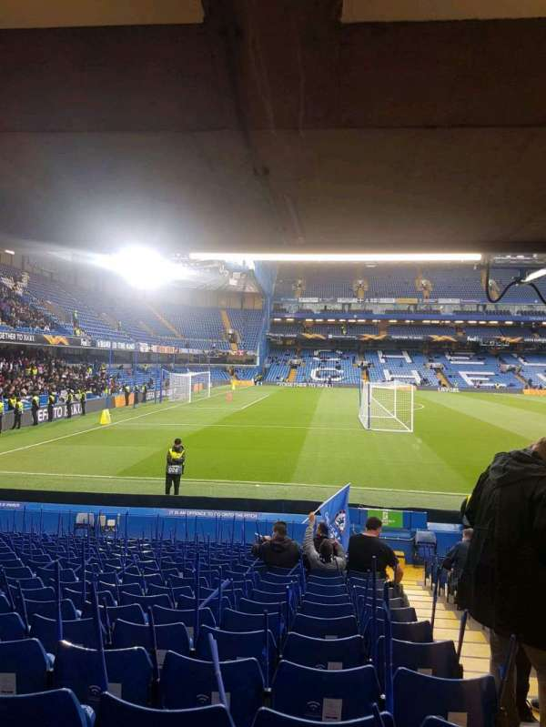 Stamford Bridge, section: east lower south family, rangée: u, siège: 0025
