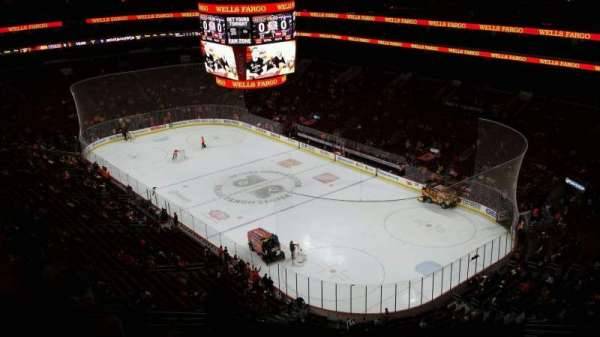 Wells Fargo Center, section: 217, rangée: 15, siège: 10