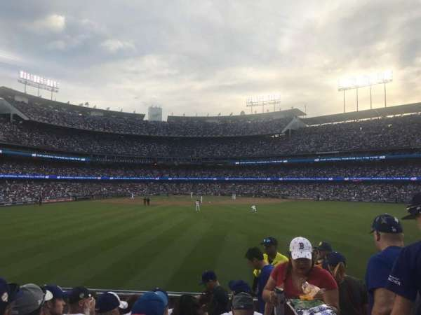 Dodger Stadium, section: 312, rangée: F, siège: 18