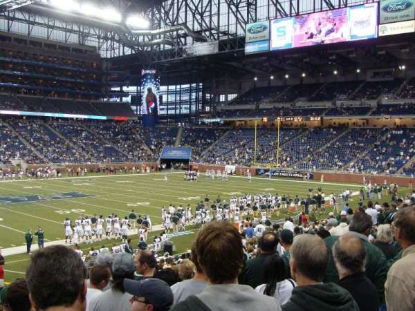 Ford Field, section: 125, rangée: 23