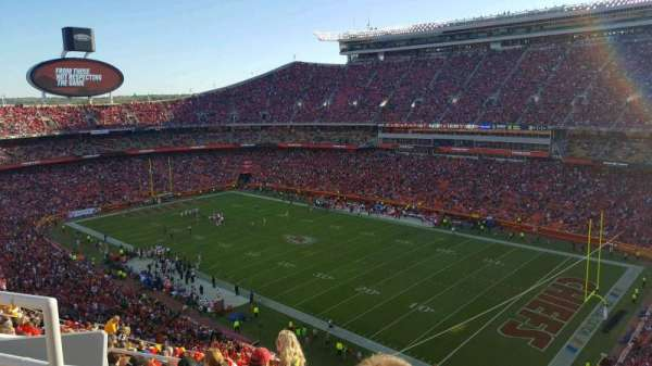 Arrowhead Stadium, section: 341, rangée: 17, siège: 21