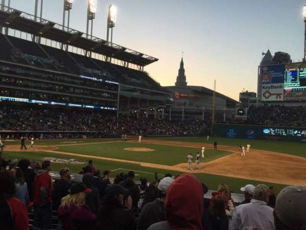 Progressive Field, section: 140, rangée: X, siège: 5