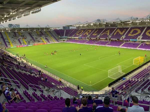 Exploria Stadium, section: 109, rangée: U, siège: 4