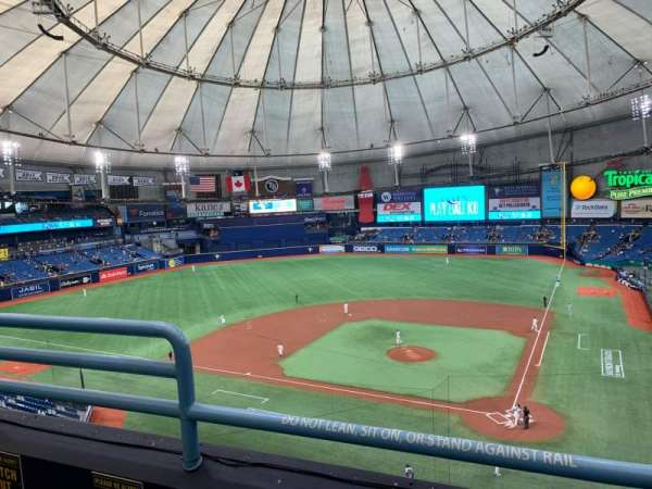 Tropicana Field, section: 305, rangée: B, siège: 3