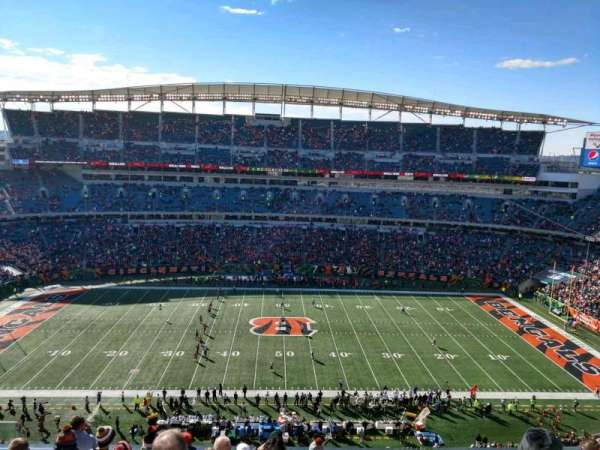 Paul Brown Stadium, section: 340, rangée: 8, siège: 16
