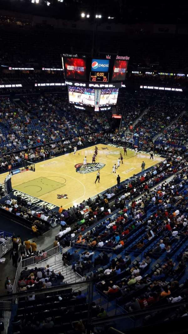 Smoothie King Center, section: 321, rangée: 2, siège: 2