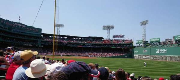 Fenway Park, section: Right Field Box 92, rangée: GG, siège: 9