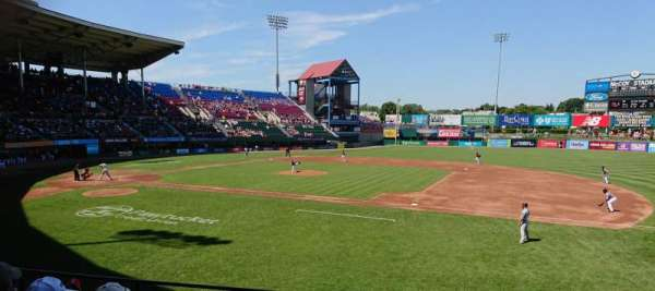 McCoy Stadium, section: 1, rangée: F, siège: 7