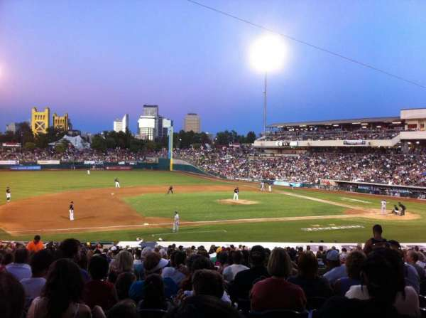 Raley Field, section: 119, rangée: 20
