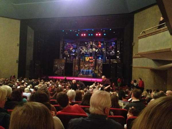 Matthews Theatre at the McCarter Theatre Center, section: Orchestra A, rangée: W, siège: 14