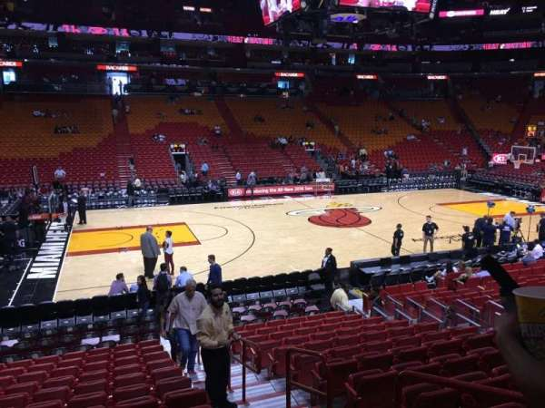 American Airlines Arena, section: 120, rangée: 16, siège: 02