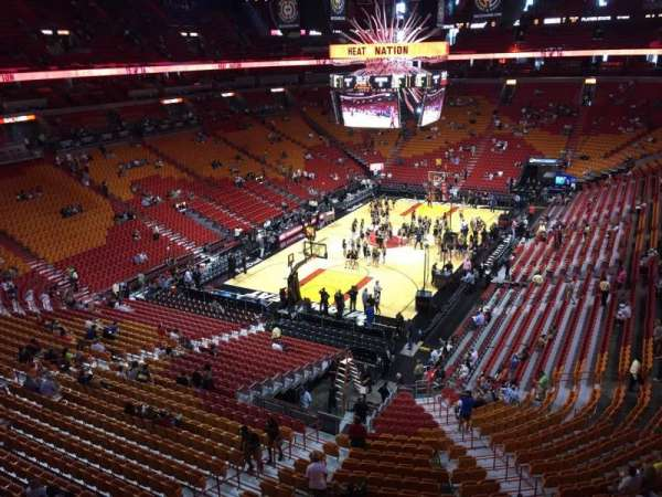American Airlines Arena, section: 330, rangée: 1, siège: 13