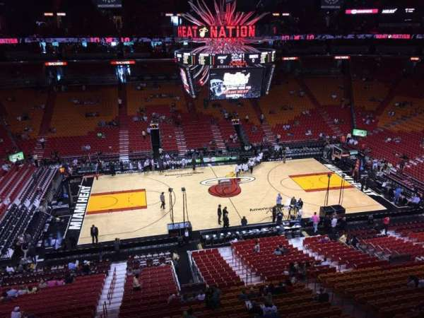 American Airlines Arena, section: 325, rangée: 01, siège: 13