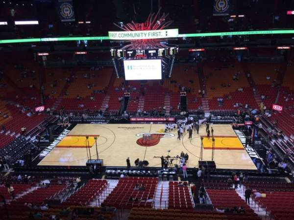 American Airlines Arena, section: 324, rangée: 02, siège: 16