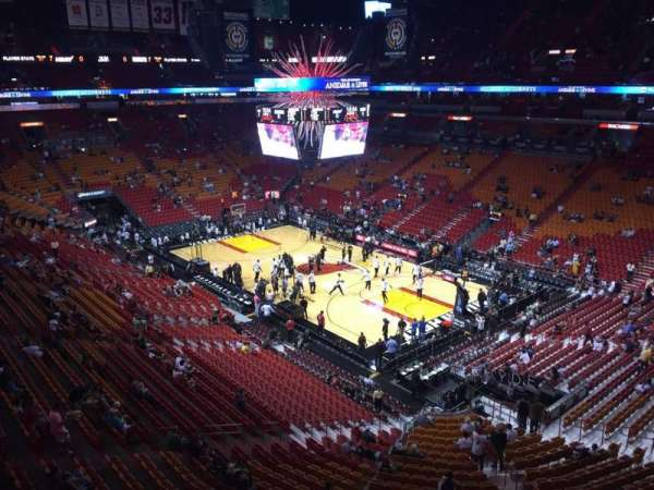 American Airlines Arena, section: 320, rangée: 2, siège: 14
