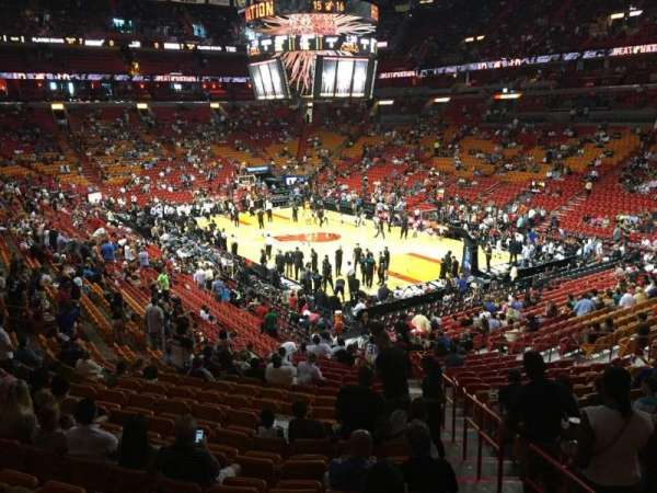 American Airlines Arena, section: 103, rangée: 30, siège: 01