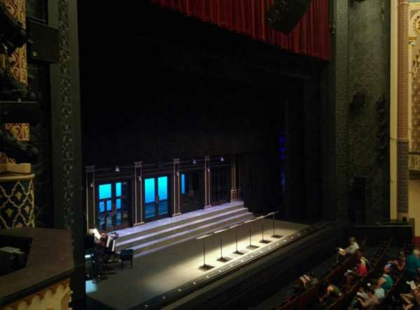 Mainstage at the New York City Center, section: Grand Tier, rangée: B, siège: 19