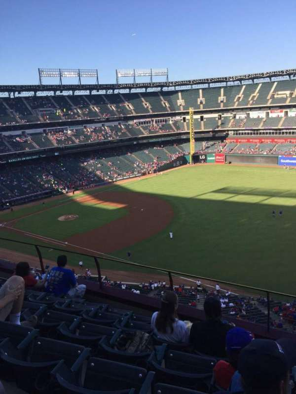 Globe Life Park in Arlington, section: 339, rangée: 6, siège: 11