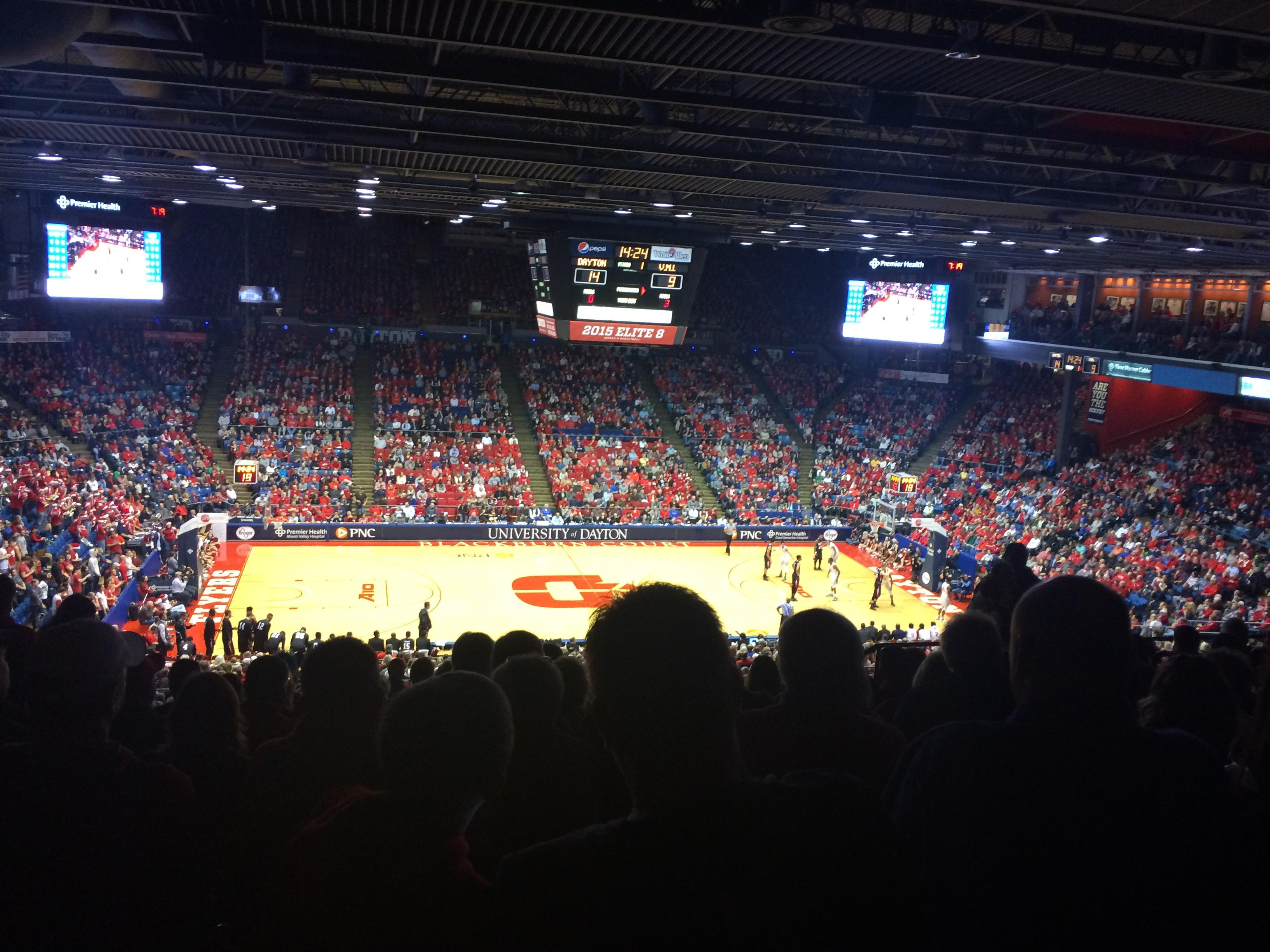 University of Dayton Arena Section 310 Rangée K Siège 9