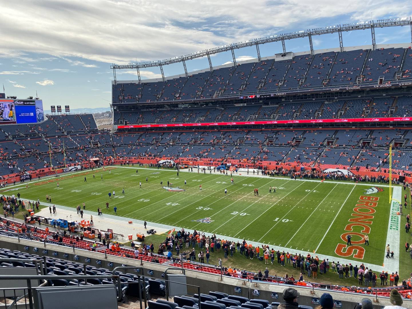 Empower Field at Mile High Stadium Section 331 Rangée 10 Siège 10
