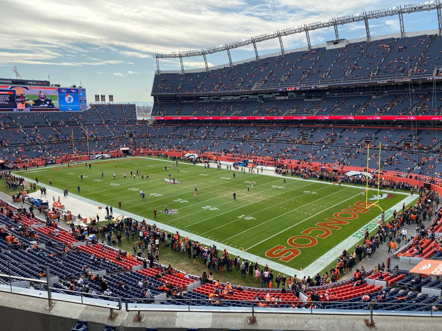 Empower Field at Mile High Stadium Section 329 Rangée 5 Siège 9