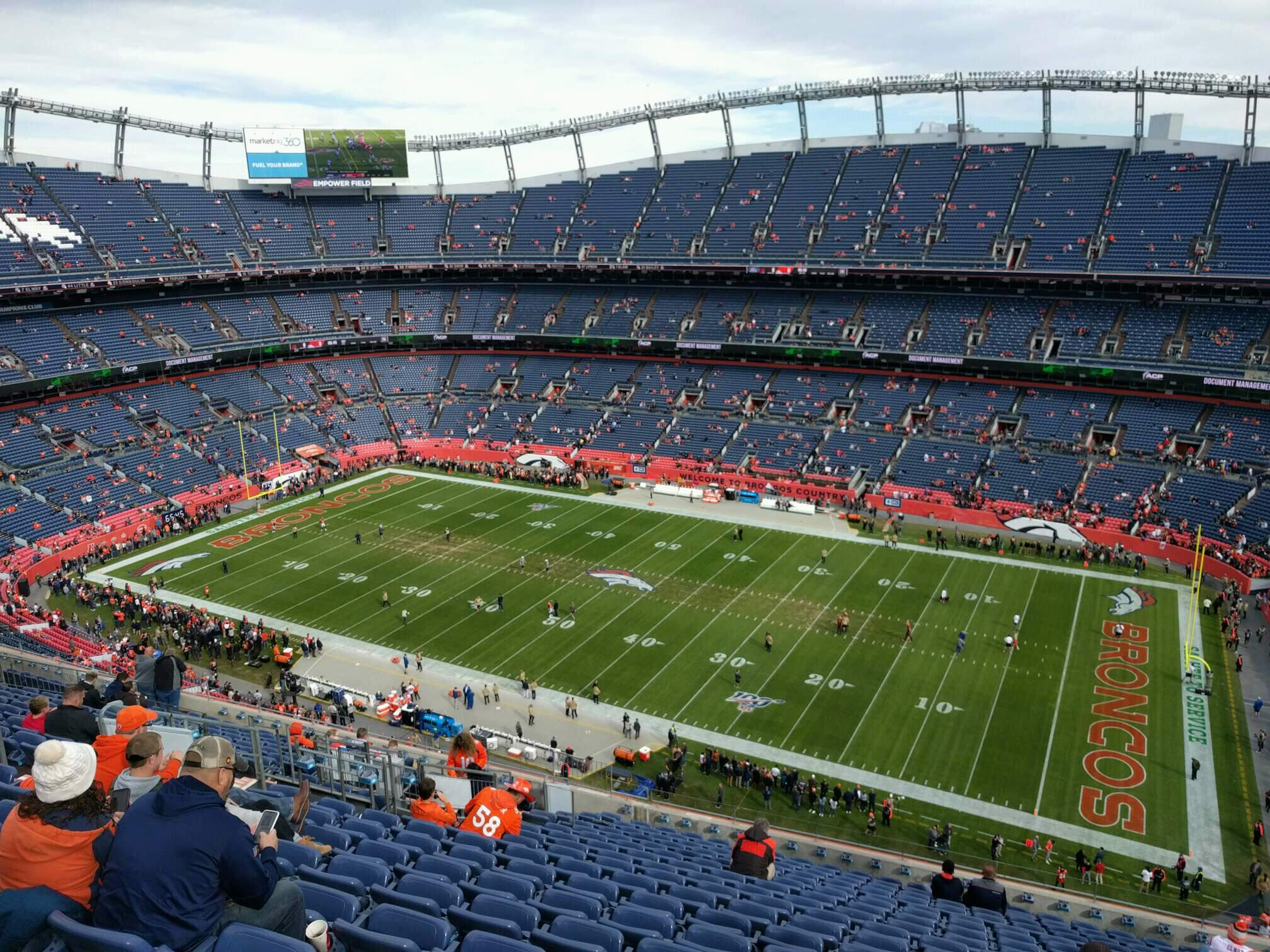 Empower Field at Mile High Stadium Section 504 Rangée 18 Siège 14