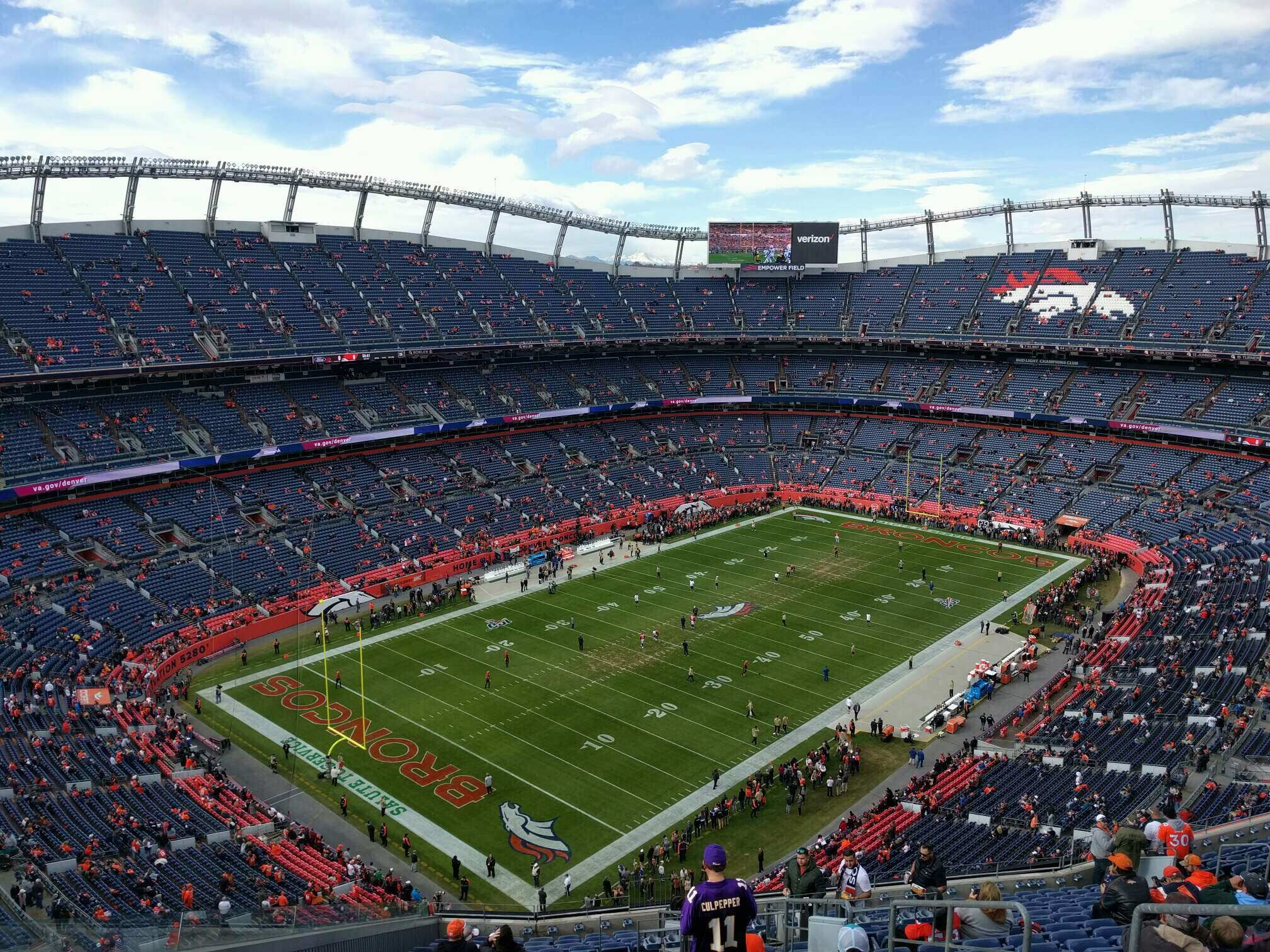 Empower Field at Mile High Stadium Section 542 Rangée 20 Siège 5