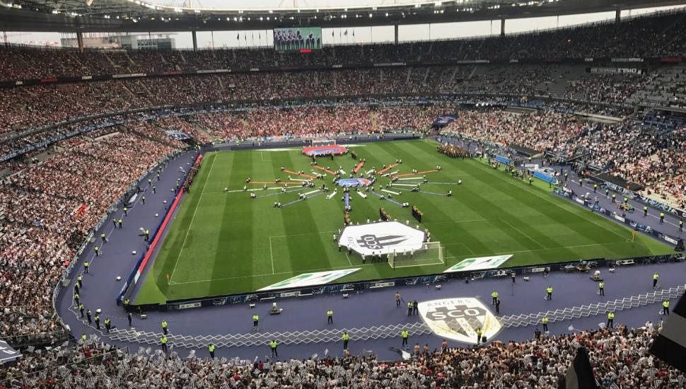 Stade de France,  Section <strong>Loge</strong>, Rangée <strong>4</strong>